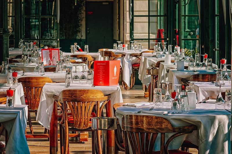 飲食店テーブル